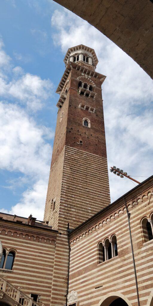 Torre dei Lamberti: itinerario per vedere Verona in 2 giorni